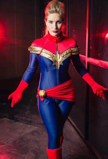 captain marvel comics looks cosplay